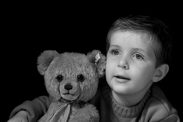 Teddy | Canon 10D, EF 50 1.4, f4.0, 1/180s, ISO400