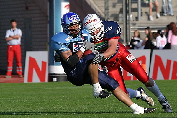 tackle | Canon 10D, EF 70-200 2.8, 200mm, f 4.5, 1/1500s, ISO400 | Braunschweig Lions vs. Hamburg Blue Devils