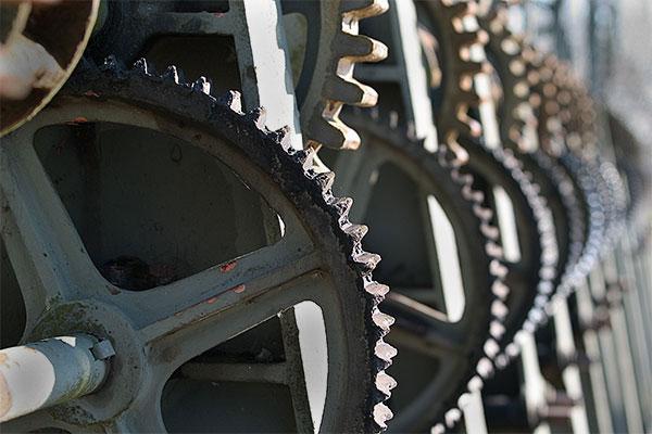 cogwheel | Canon 10D, EF 70-200 2.8, 70mm, f 4.0, 1/250s, ISO200