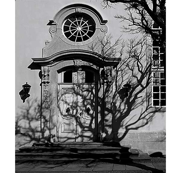church | Canon 10D, EF 17-40 4.0, 17mm, f 4.0, 1/1500s, ISO 100