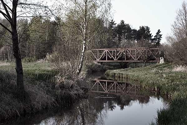 Eisenbahnbrücke in Gamsen | Canon 10D, EF 17-40 4.0, 36mm, f 4.0, 1/250s, ISO 100
