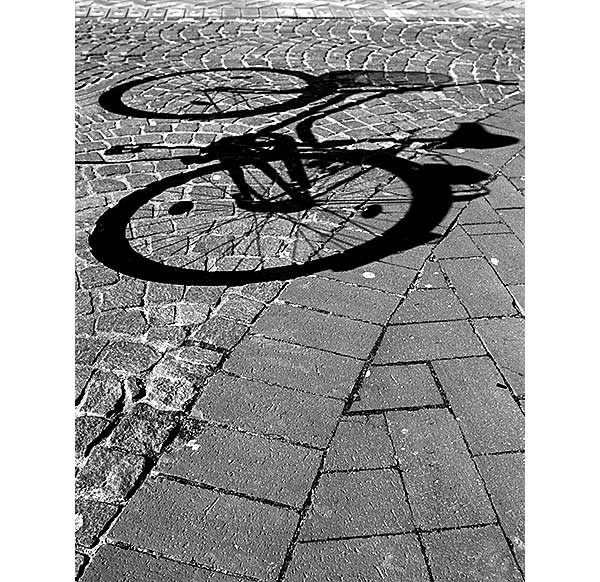 bicycle | Canon 10D, EF 17-40 4.0, 20mm, f 5.6, 1/500s, ISO 100