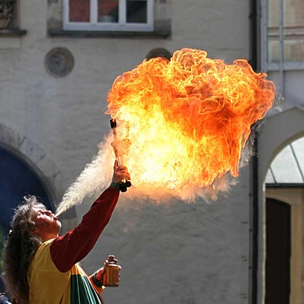 fire-breathing Canon | 10D, EF 50 1.4, f 2.5, 1/2000s, ISO100