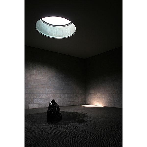 Berlin: Neue Wache, Unter den Linden | Canon 10D, EF 17-40 4.0, 17mm, f 4.5, 1/125s, ISO 200