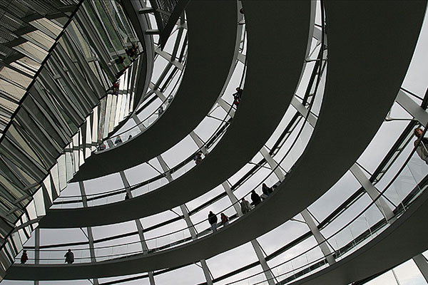 Berlin, Reichstag | Canon 10D, EF 17-40 4.0, 17mm, f 6.7, 1/500s, ISO 400