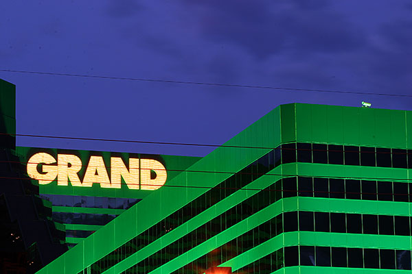 MGM Grand | Canon 10D, EF 70-200 2.8, 105mm,  f 22, 8s, ISO200