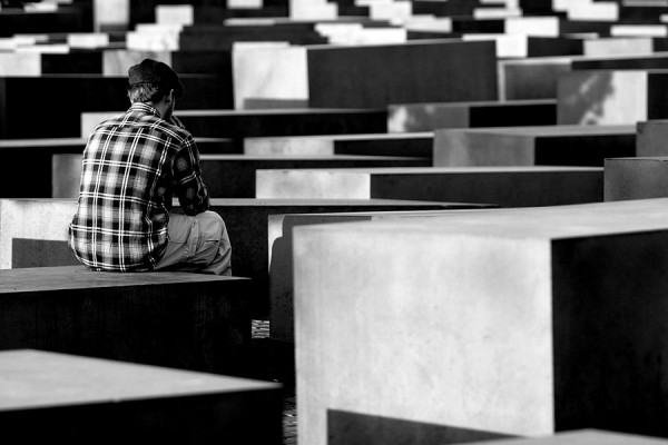 Holocaust Denkmal Berlin | Canon 10D, EF 70-200 2.8, f 2.8, 108mm, 1/500s, ISO 200