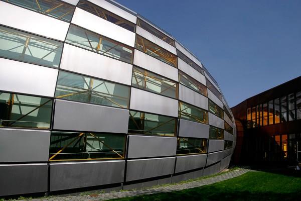 Philologische Bibliothek der Freien Universität Berlin | Canon 10D, EF 17-40 4.0, 17mm, f 4.0, 1/350s, ISO 100