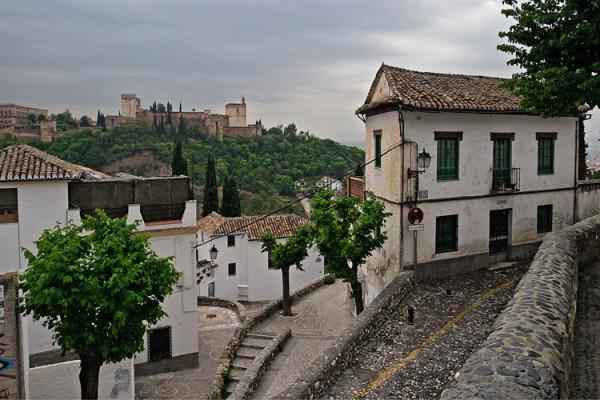 Alhambra, Granada | Canon 10D, EF 17-40 4.0, 17mm, f 4.0, 1/2000s, ISO 800